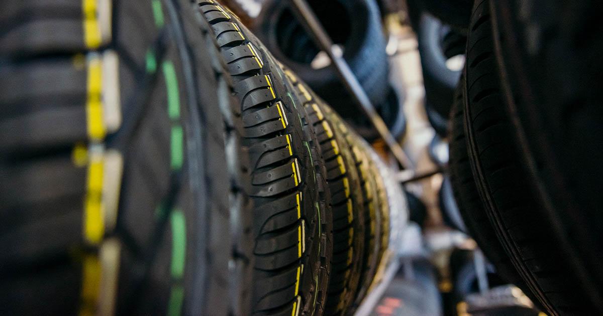 Na fotografiji so nove pnevmatike, ki jih lahko kupite v spletni trgovini GumeNaDom.si ali v Avtocentru Avtostop.