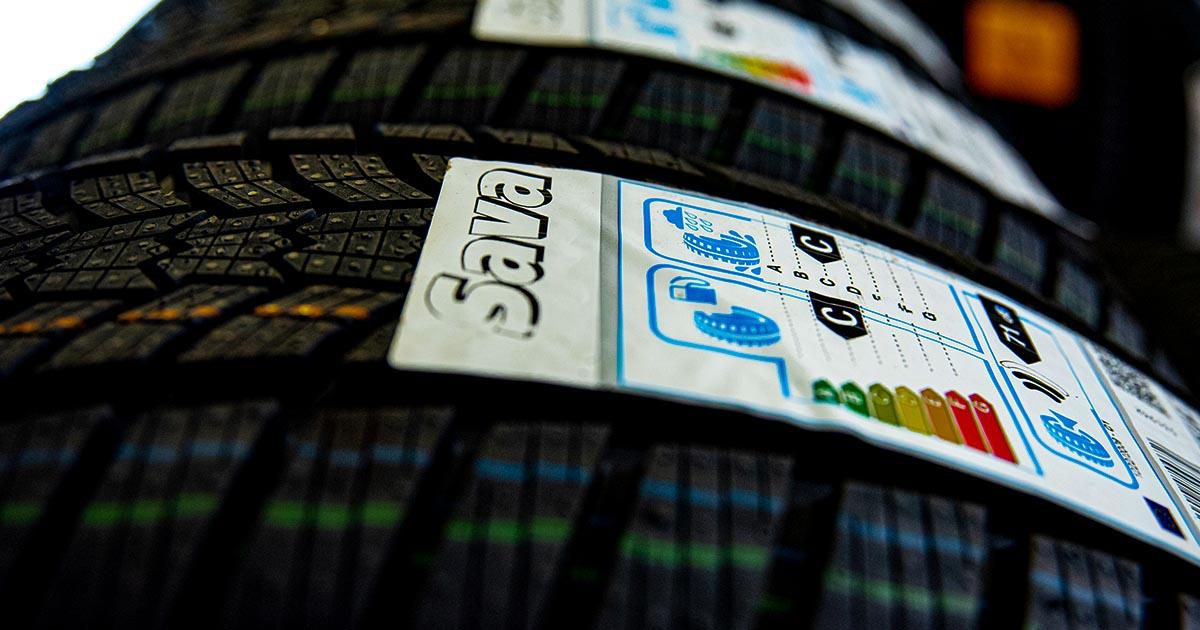 Na fotografiji so letne pnevmatike Sava, ki jih po ugodni ceni kupite v spletni trgovini GumeNaDom.si.
