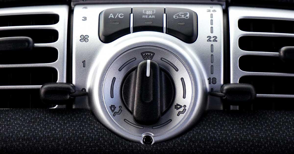 Na fotografiji je ventilator, s katerim si pozimi hitro odrosite vetrobransko steklo.